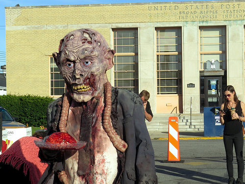 They advertised for extras for the Walking Dead . I thought - I cadaver go at that ..